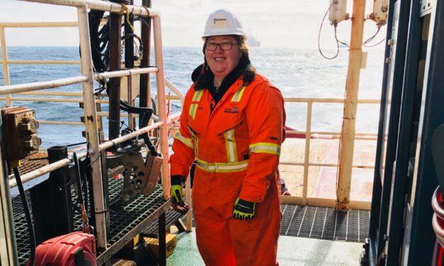 Senior Survey Technologist Robyn Clements